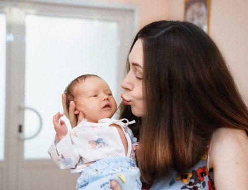 Produkty dla przyszłych mam i malutkich dzieci. W co warto zaopatrzyć się po porodzie?